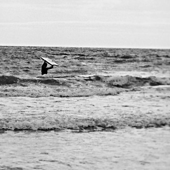 Isle Of Wight  Surf Young Wild And Free(; British Summertime