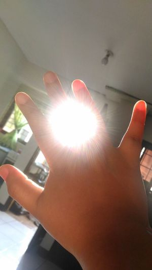 Ring of Sunlight 🌞 Human Body Part Connection Human Hand Close-up Sunlight Rays Of Sunshine Reaching For The Sky Reaching Out Reaching For The Sun Dreams