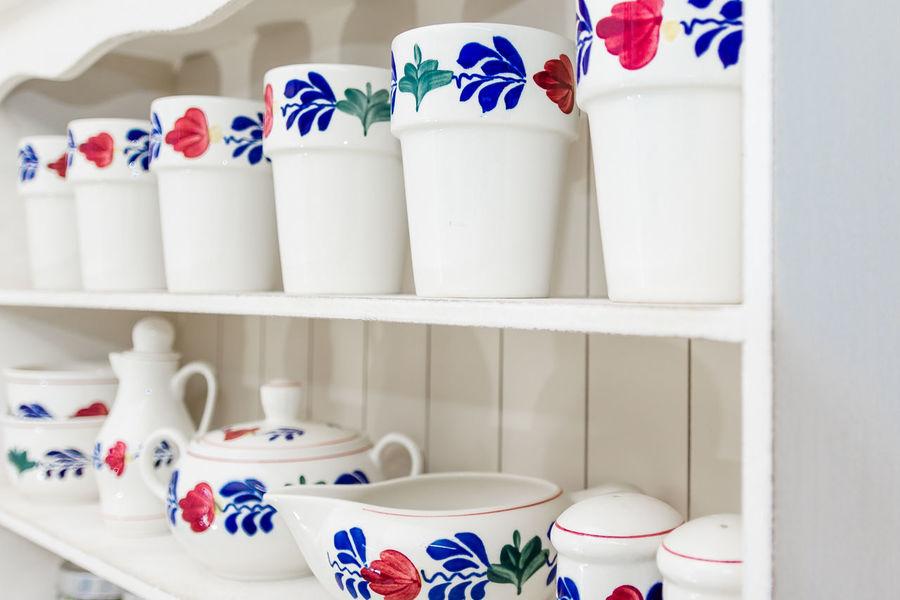 BOERENBONT, TRADITIONAL DUTCH TABLEWARE Dutch Style Tableware Boerenbont Close-up Dutch Houseware Housewares Shelf Tableware Set Traditional