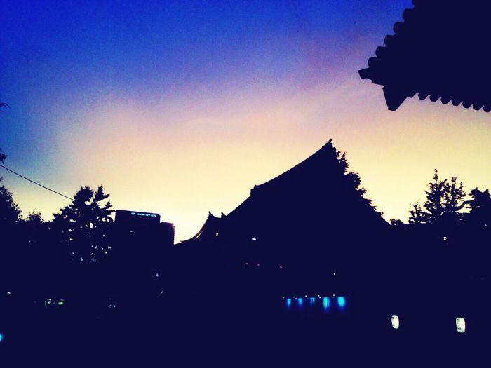 Asakusa 浅草寺 Hello World Tokyo Sensoji Light And Shadow Twilight Sky EyeEm Best Shots EyeEmBestPics 浅草寺