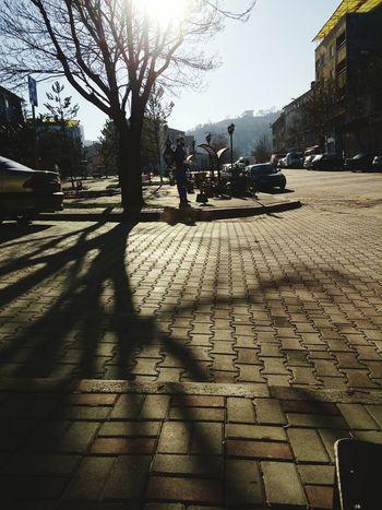 Gunaydinn.. Hugging A Tree Enjoying The Sun Walking Around Popular Photos Kütahya Turkey EyeEm Gallery Faces Of EyeEm Popular Photo Eeyemgallery Faces Of Eyem First Eyeem Photo Benimkadrajim Benimobjektifimden Tamirci Kütahyalı