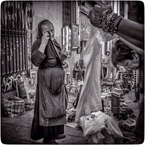 Streetphoto_bw The Street Photographer - 2014 EyeEm Awards El Rastro Market