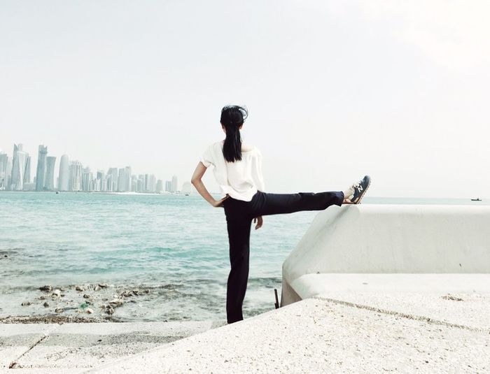 Athleisure On The Way Hi! Middle East Seaside Sea Yoga Pose Morning Walk Exercise