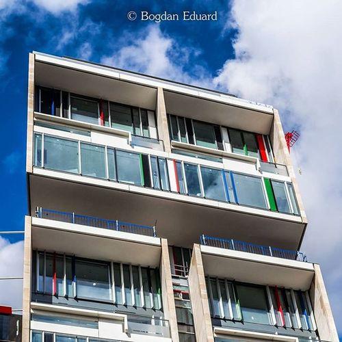 Photo by me - Nikon D3100 - Lightroom edit. Building architecture in London. ---------------------------------------------------- Architecture London Photography Building Photooftheday Photo Bogdann2309 Londonphoto Iamnikon NikonD3100 Nikon Instagram Ig Sky Modernbuilding UHD Uk Like4like Likeforlike