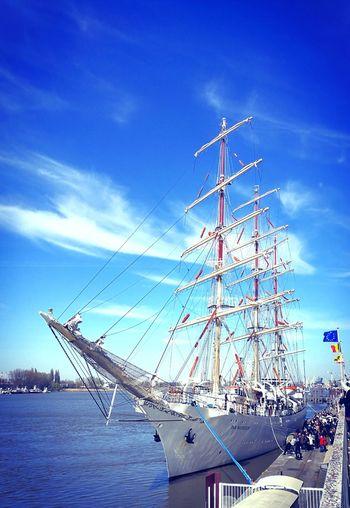 Port Of Antwerp Dar Mlodziezy Schelde Sailing Ship BlueSky Outdoors Dar Młodzieży