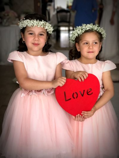 Là damigelle ❤️❤️❤️ Looking At Camera Two People Crown Portrait Girls Childhood Real People Tiara Love Togetherness Celebration Smiling Elementary Age Happiness Bride Wedding Wedding Day Wedding Photography Day People
