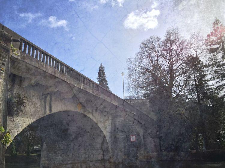 ???Sous le pont d'Angoulême, on y danse, on y danse !...??? France Angouleme Charente Ma Ville Iphone6plus Iphone6+ Architecture Pont