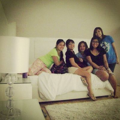 The girls and the lamp shade :) Teamtransformationday Happymonday  Stressfreemonday @anjhe08 @gyn228 @pepenita