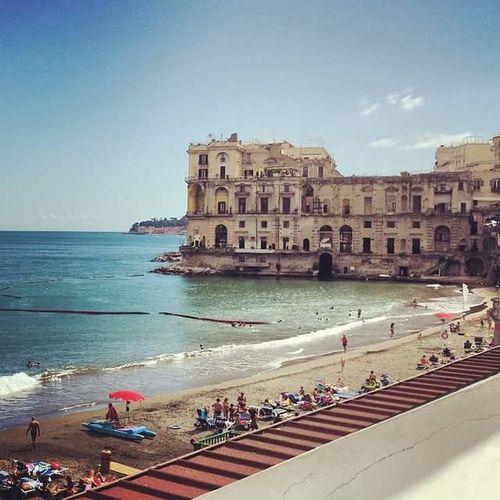 Napoli Naples Napkes State Of Mind Homecity Miss You Beautiful Weather Sunny Day Sea Palazzo Donnanna O Paese Ro Mare Beach Playa Spiaggia Saudade Malincunia Malinconia Old Build Old Story Infanzia Childhood Parenthood