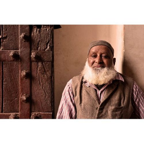 You can see this men at the gates of humayu's tomb...he s a very kind person. Photojournalism Yehdelhihai Delhihai  DelhiNCR Sodelhi India Humayustomb Incredibleindia People Person Instagram _soi Instapic Fun Travelindia Worldwide Everydayeverywhere Indiaclicks Streetsofindia ASIA