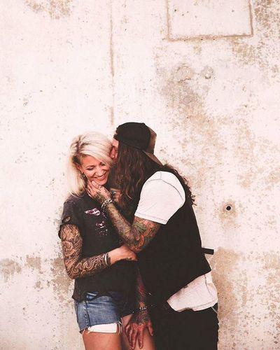 Isabella y Phillip @rockerlicious Love Tattoos LoveSession Tatuaje Alternative Inked Ink Tinta Rock Weddingphotographer Malaga Wedding Novios Bodasdiferentes