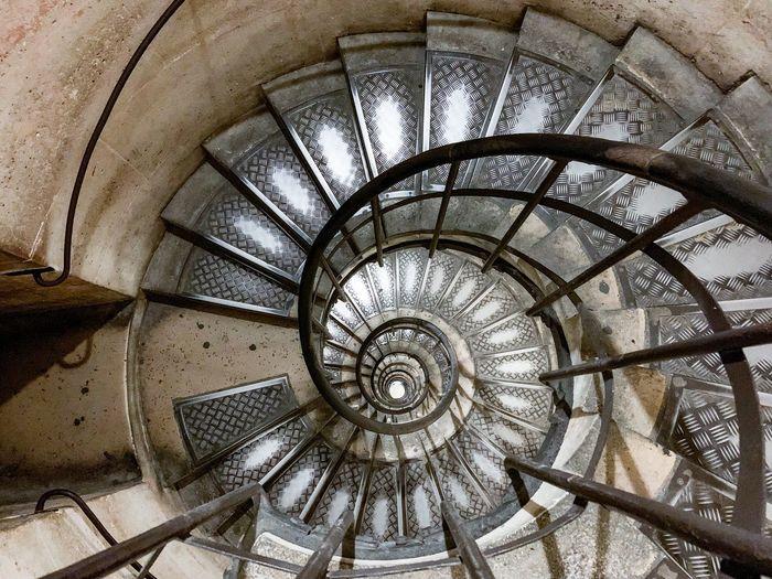 Spiral Staircase Paris Arc De Triomphe Arc De Triomphe De L'Étoile Spiral Architecture Built Structure Staircase Steps And Staircases Spiral Staircase Indoors  Pattern Design No People Day Geometric Shape Shape Circle