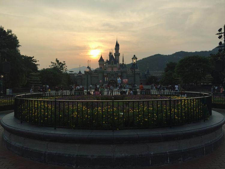 Beautiful😍 Disney Schoolpicnic Castle Sunset Beautiful Roller Coaster 🎢🏰🌄💕