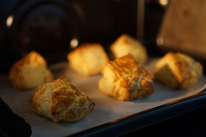 Healthy Eating Daily Lifestyles Life Bread Scone Sunlight Baking Bake Bakery Cooking SEL35F18 Sony A5000 Sony Food And Drink Food Indoors  No People Freshness Close-up Ready-to-eat
