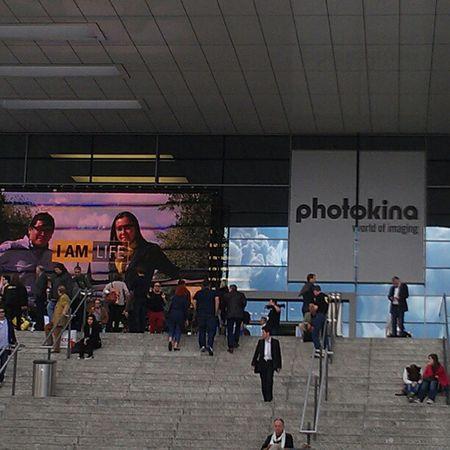 Achtung, ich betrete jetzt die #photokina! #twk #Twittwoch Twk Photokina Twittwoch