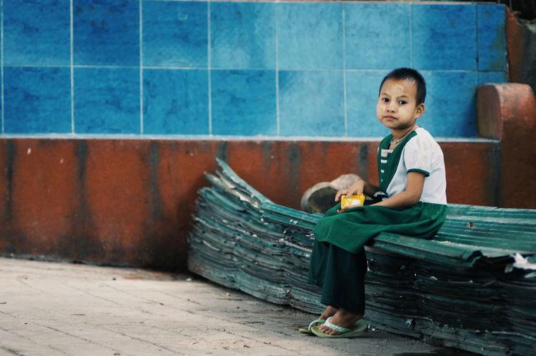 Girl Child Colorful Myanmar Golden Rock The Portraitist - 2017 EyeEm Awards