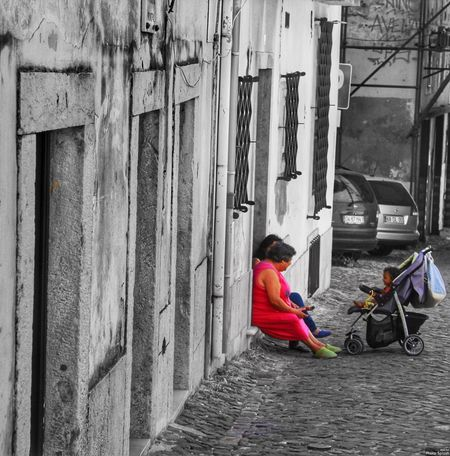 Walking around Lisboa meeting real people and embracing their beautiful city Lifestyles Real People Childhood Sitting Outdoors Lisboa Portugal Street Photography Colour Splash Child Women Talking Pushchair Popular Photos Building Exterior EyeEmNewHere EyeEm Selects The Great Outdoors - 2017 EyeEm Awards City Life Relaxing Time
