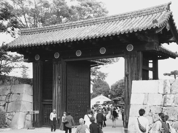 The entrance of Himeji Castle 姫路城 Black And White