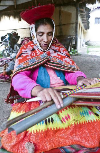 Hat Peru Peruvian Women Hats Peruvian Peruvian Costume Peruvian Culture Peruvian Hat Peruvian Weaver Peruvian Weaving Peruvian Woman Quechua Quechua Woman South America Weaver Weavers Weaving Weaving Loom