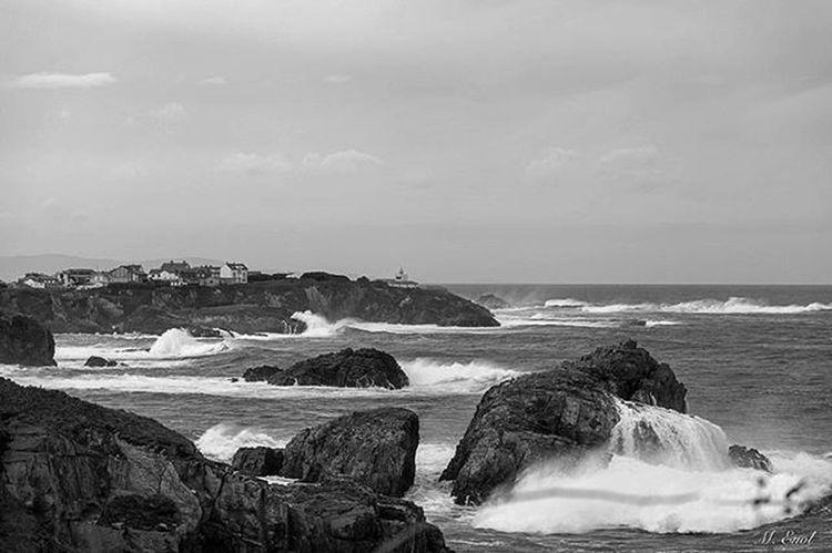 Asturias Asturiasgram Asturiasgrafias Asturiasparaisonatural Mar Oleaje Surf Surfing Paradise Skate Sea Sealovers Descubriendoigers Igersoftheday Igs Waves Fishing Seafishing Saltwater Fishinglife Fishinglovers