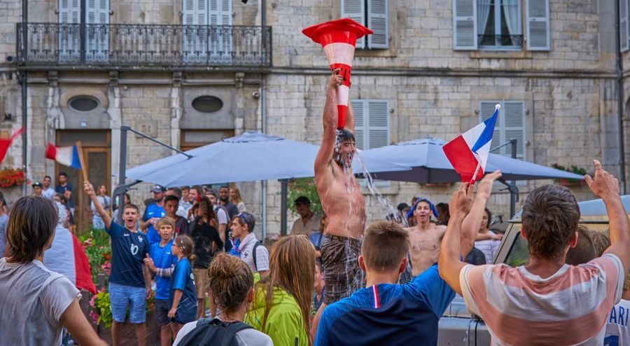 Cooling down after the won final 2018 Worldcup2018 Winners Champions Ladyphotographerofthemonth FIFA World Cup Russia France Weltmeister Allez Les Bleus Enjoying Life Soccer World Cup Eye For Photography Enjoying Life Group Of People Architecture Crowd Men Flag Adult Love The Game Large Group Of People Patriotism Emotion Event