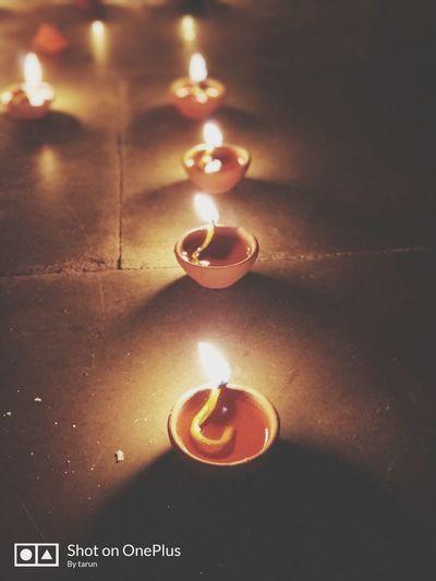 LIGHT | DIA |