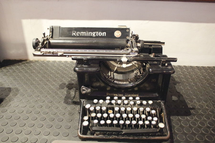 Communication Old-fashioned Retro Styled Technology Writing Machine