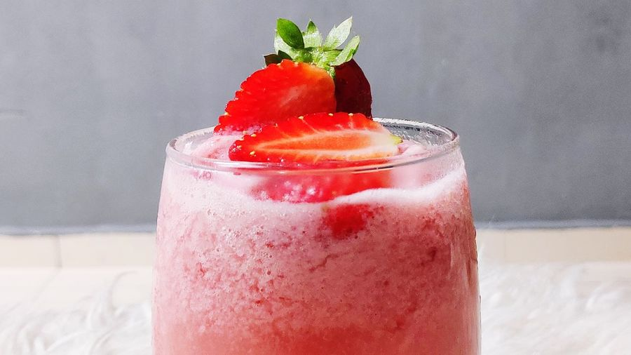 Fresh strawberry smoothie ice blended. Strawberry Ice Cream Smothie Juice Drink Juice Fruit Fresh Drinks Freshness Ice Blended Cold Temperature Drink Red Fruit Drinking Glass Ice Cube Cocktail Mint Leaf - Culinary Tonic Water Blended Drink Smoothie Blender Protein Drink Juicer Milkshake