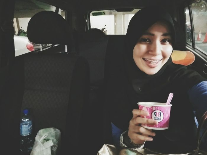 Gerak sorang2 hari ni, no Sundate anymore. Lunch at Johnys, layan Fast&Furious 7, org beratur pjg gila, the movie was absolutely nice! Then isi perut dgn Baskinrobbins , tapau Famousamouscookies , For Tonyte! Alhamdulillah For Today!!! 😄😄😄