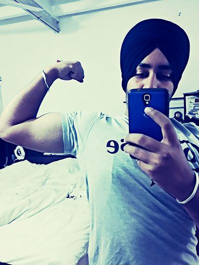 Gym da divana tharka ni por da !! Taking Photos Hello World Gymaholic Awsomeness Biseps Parna Enjoying Life Check This Out