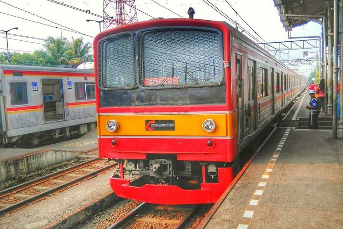 Tut..tut..tut.. Public Transportation Commuting Train Station Enjoying Life Bogor
