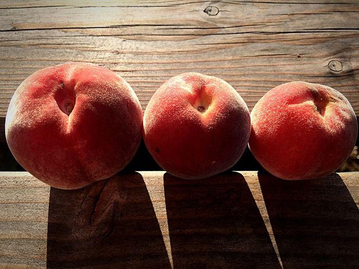 Juste Comme ça 😉 Plaisirsimple Peche Fruits Contrast EyeEm Nature Lover