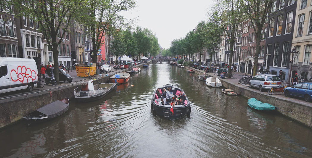 City of Amsterdam Amsterdam Amsterdam Canal Arquitecture Beautiful Nederland Red Light District Travel Amazing Amsterdamcity Architecture Bike Boats Canal City Cosmopolitan Day Europe Holand Outdoors Streetphotography Travel Destinations Urban
