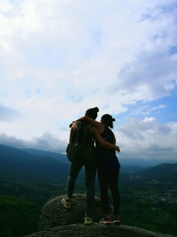 Two People Full Length Hiking Adventure Cloud - Sky Outdoors Nature Sundaymorning Hikingphotography 2017 Hikingadventures Adult Big Rocks