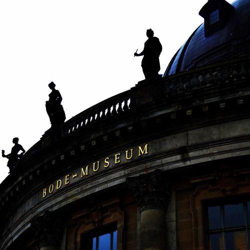 Bode-Museum GERMANY🇩🇪DEUTSCHERLAND@ Germany Berlincity Berliner Ansichten Berlin Berlin Mitte My Berlin  Berlinmitte Berlinarchitecture Berlintagundnacht Architecture Museum Museumsinsel Bodemuseum Statues