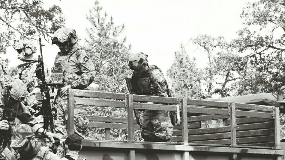 Dismount. Operator Mk18 Training Exercise Maritime Multicam CryePrecision AVS Ragnar M240Bravo Crewserved Machinegun