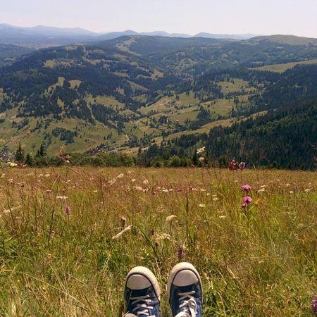 Мої кеди на найвищому місці де я колись бував, гора Захар Беркут, кеды гора гори карпати закарпаття Україна висота