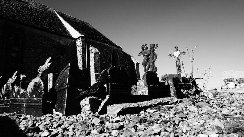 Angels Black & White Blackandwhite Blancetnoir Bnw France Graveyard Beauty Sunny Day