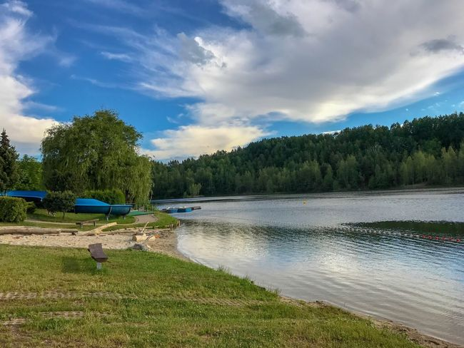 Stausee Erholung Pur See Water Plant Cloud - Sky Sky Tree Beauty In Nature Scenics - Nature Nature Lake Idyllic Grass Outdoors Day