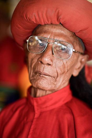 Yogyakarta Kraton Adult Close-up Eyeglasses  Intelligence Men One Person People Portrait Red Senior Adult Senior Men