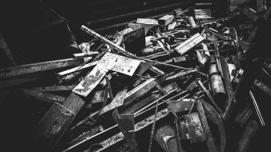 Black Blackandwhite Black And White Photography Blackandwhitephotography Scrap Metal Metal Things Scrapmetal Scrap