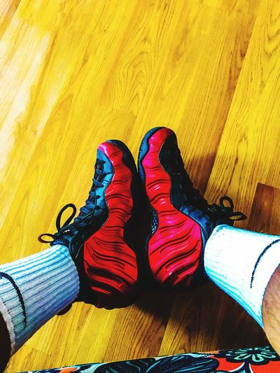 Nike Foamposite Red Hardwood Floor Nike✔ Nike Socks  Kotd Basketball Sneakers