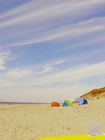 Da bist du ja endlich, jetzt lass ich dich nie wieder los. Sunshine Beach Enjoying The Sun Swimming Holiday Summertime Love Funny Sand Ozean