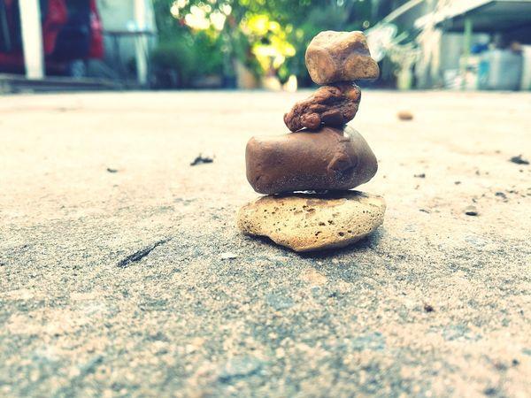 """""""Suba as escadas da vida como essas pedras em perfeito equilíbrio estático."""" EyeEm Selects Natureza Rochas Pedras Rochers Equilibrium Verão"""