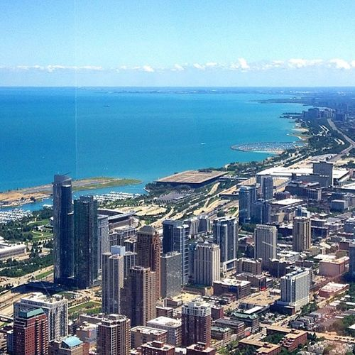 One of my favorite views. 😍😍 Chicago Willistower Skydeck Topoftheworld View EverythingLooksTiny