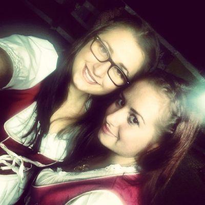 Dirndl Sister Love Party kölsche wiesn oktoberfest cologne imogdi liebe dress smile night ♥