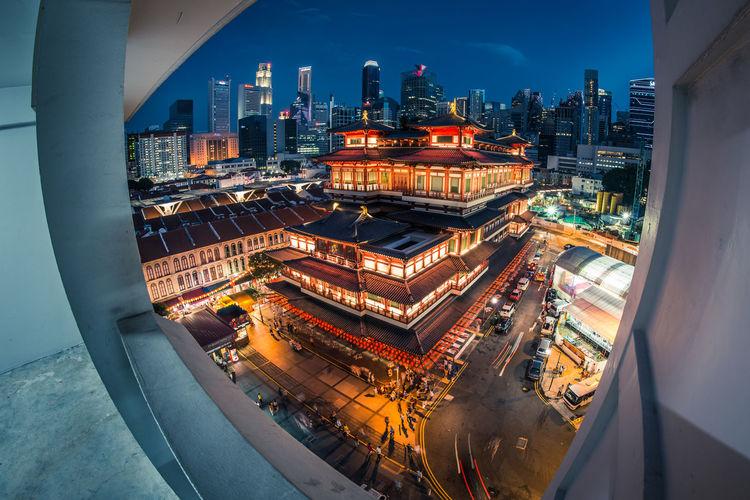 #fisheye #Singapore #temple Architecture City Night Singaporechinatown The Architect - 2017 EyeEm Awards Go Higher The Architect - 2018 EyeEm Awards