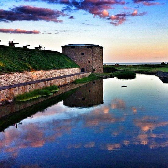 Kalmarslott Kalmar Slott Hav vatten moln blå sol clode sky himmel internationalpictures solnedgång sommar summer sommar2013