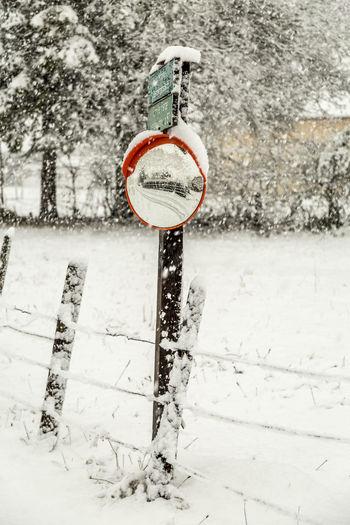 Nature No People Schnee Snow Traffic Sign Verkehrszeichen Winter Wintereinbruch