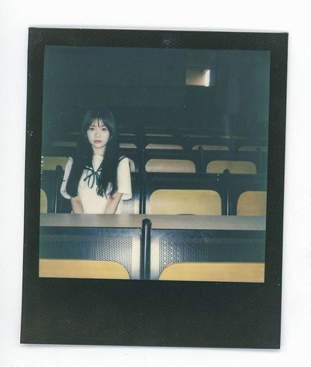 逃避工作. Polaroid Polaroidslr680 Meaninglessart Film Filmphotography Impossible Jk Japaneseschooluniform Japan Girl